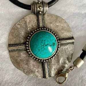 Metal turquoise necklace